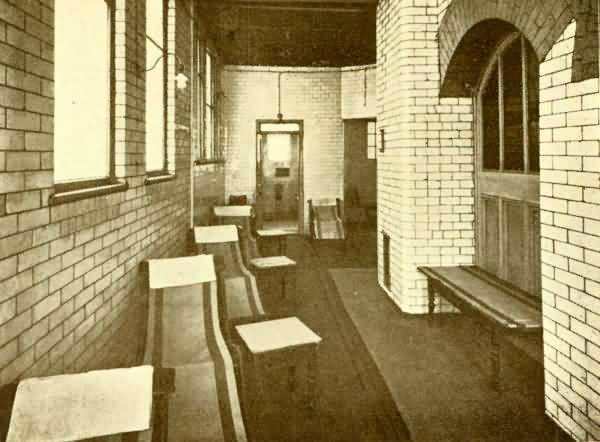 Kenworthy's Hydro: men's hot room, c.1920