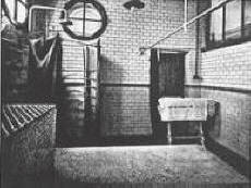 Ashton-under-Lyne shampooing room in the 1930s