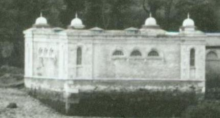 Detail shows Turkish baths building: Courtesy the National Library of Ireland